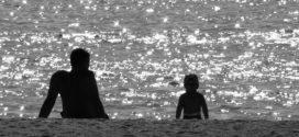 Costumi da bagno uomo: abbinare quelli di padre e figlio