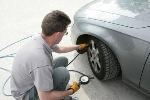 come risparmiare carburante - pressione gomme