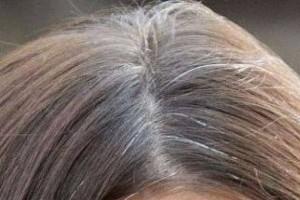 come coprire i capelli bianchi