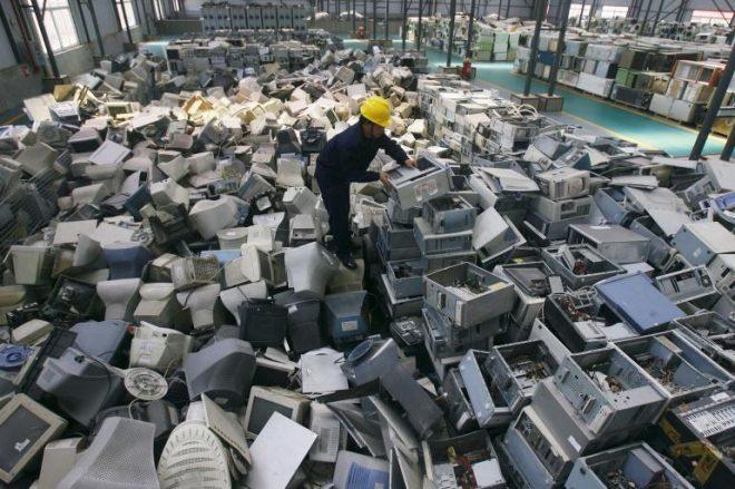 rifiuti elettronici dove buttarli come smaltirli