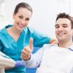 Dentista, consigli per salute denti e per risparmiare