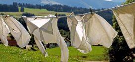 Vestiti bianchi: 7 consigli per far tornare gli indumenti come nuovi